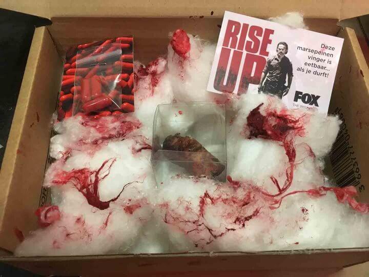Walkie Talkie - FOX - The Walking Dead - Marijn Coertjens - February 2017